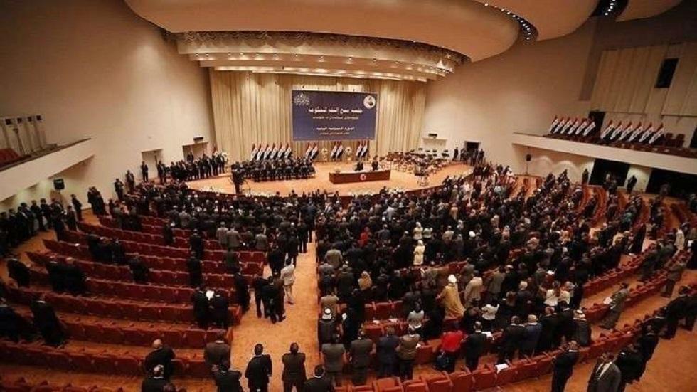 مراسل RT: سجال وشعارات داخل قاعة البرلمان العراقي (فيديو)