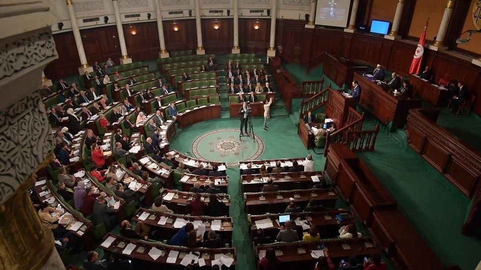 ثلاثة أحزاب تونسية ترفض منح الثقة للحكومة الجديدة