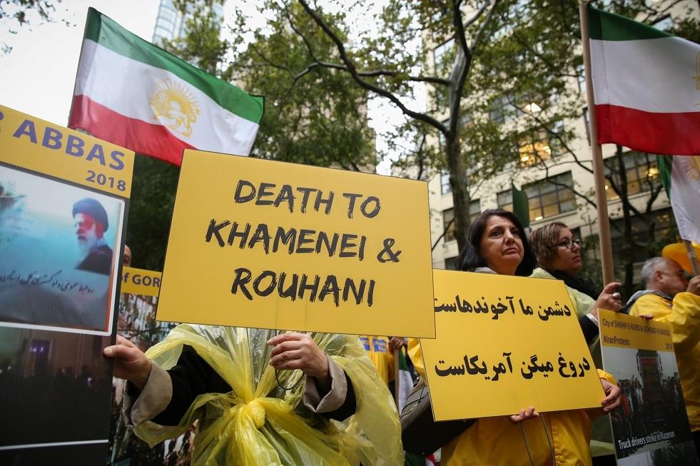 إيرانيون يؤكدون أنهم استجوبوا مطولا على الحدود الأمريكية