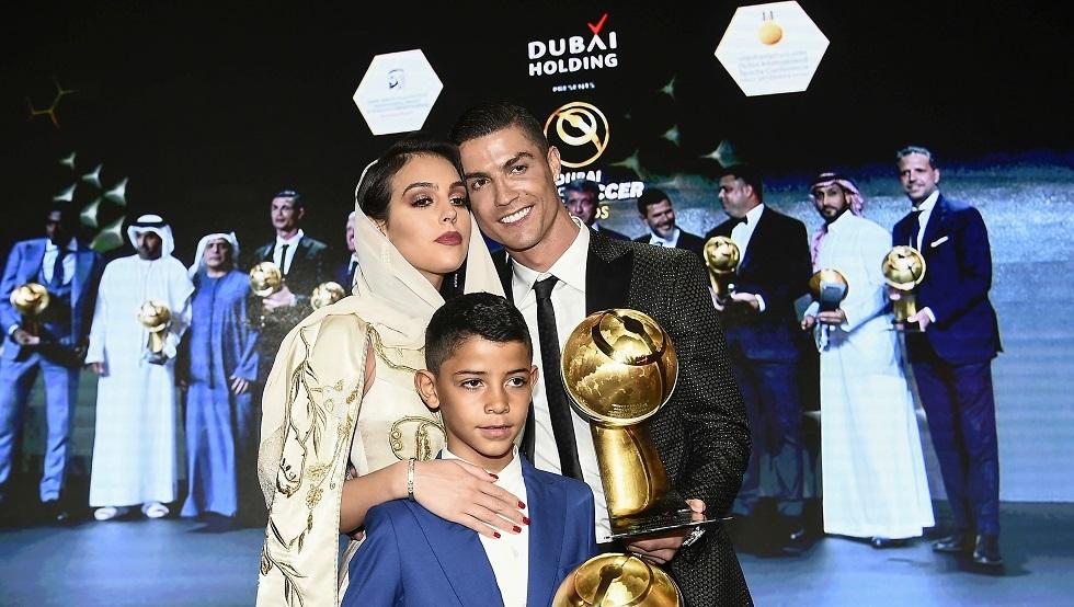 عائلة رونالدو تواجه صعوبات في طريقها إلى مصر لحضور حفل الأفضل في إفريقيا 2019