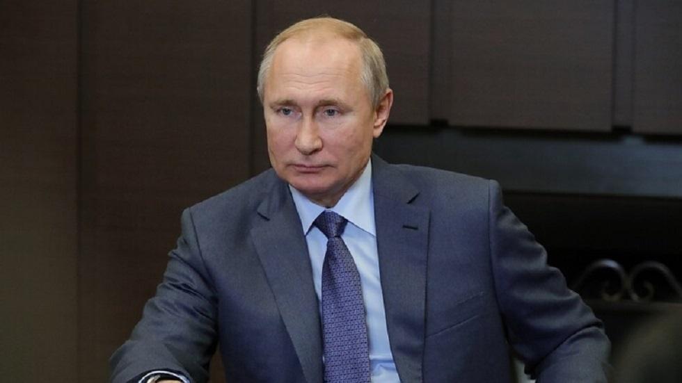 الرئيس الروسي فلاديمير بوتين يصل إلى اسطنبول