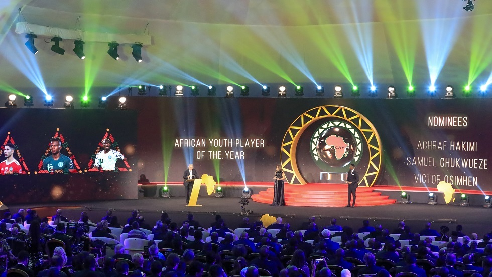المغربي حكيمي ينال جائزة أفضل لاعب إفريقي صاعد