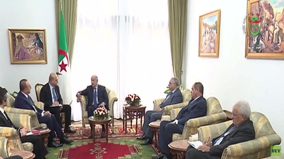 تبون يبحث مع تشاووش أوغلو الوضع الليبي