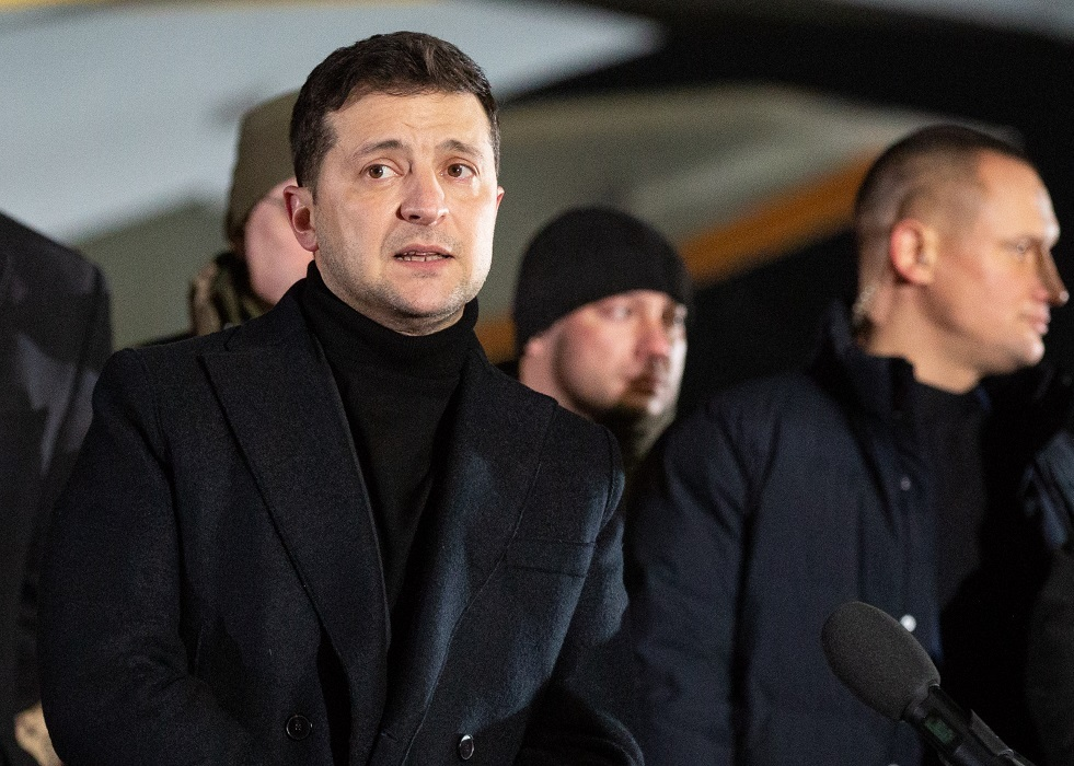 زيلينسكي يقطع زيارته لعمان ويعود إلى بلاده بعد تحطم طائرة أوكرانية في طهران