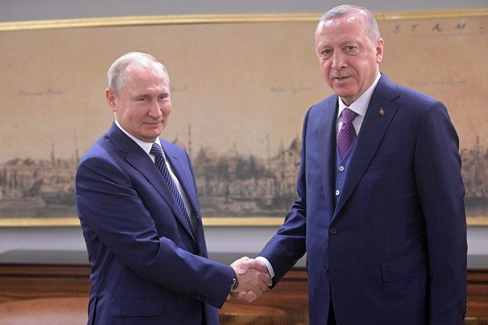 بوتين وأردوغان: اغتيال سليماني تقويض للأمن والاستقرار في المنطقة