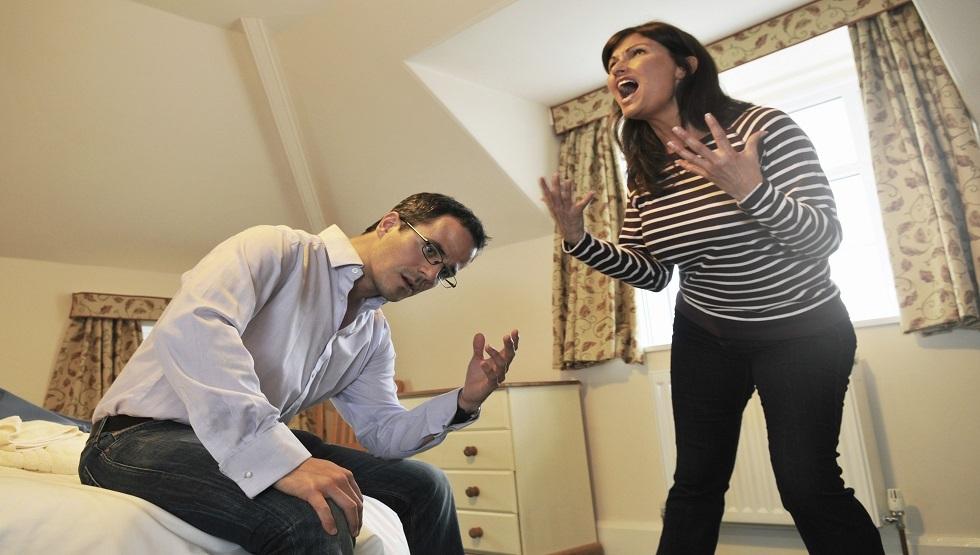 وسادة ذكية يمكنها إنقاذ زواجك من مشكلة شائعة