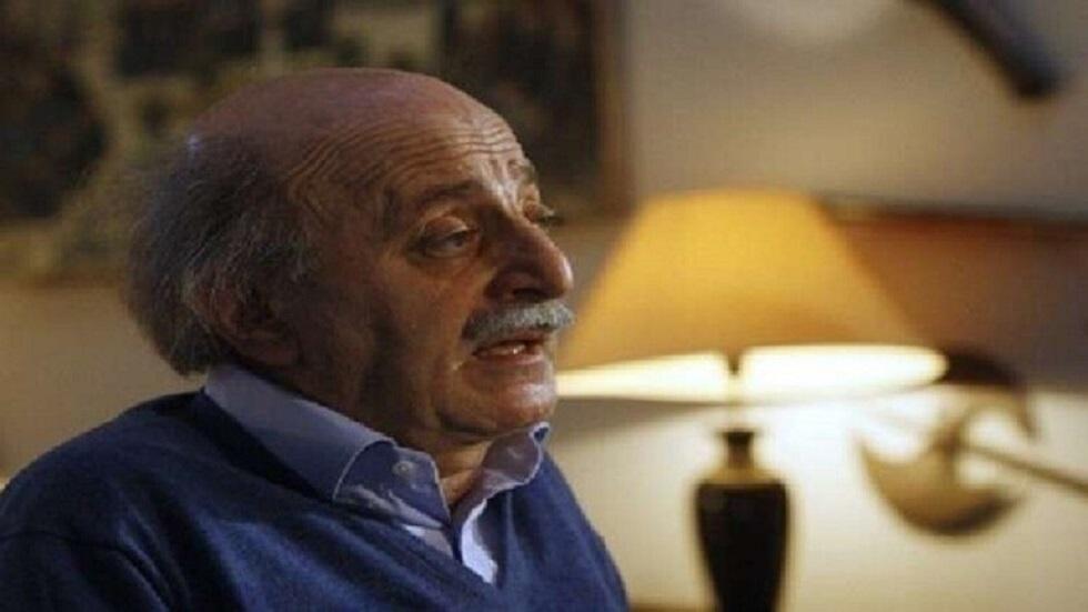 لبنان.. جنبلاط يقترح منصبا لكارلوس غصن!