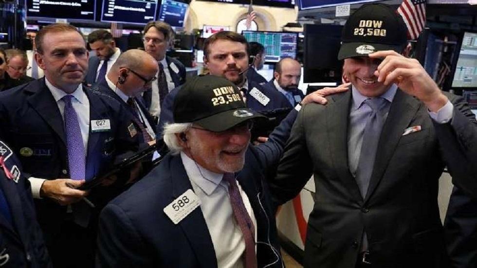 الأسهم الأمريكية تحقق مستوى قياسيا