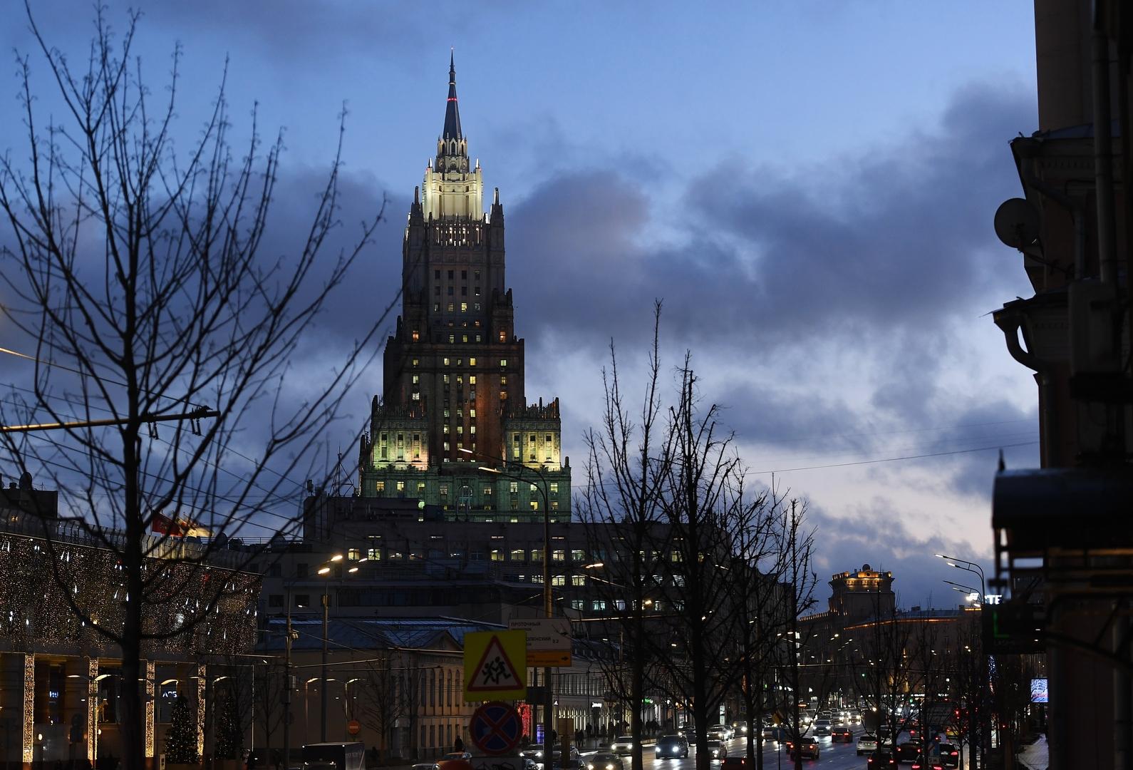 الخارجية الروسية: نأمل في امتناع الولايات المتحدة وإيران عن شن هجمات جديدة