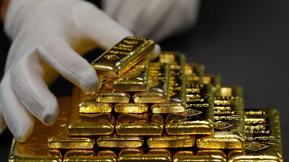 الذهب يهبط مع تلاشي توترات الشرق الأوسط