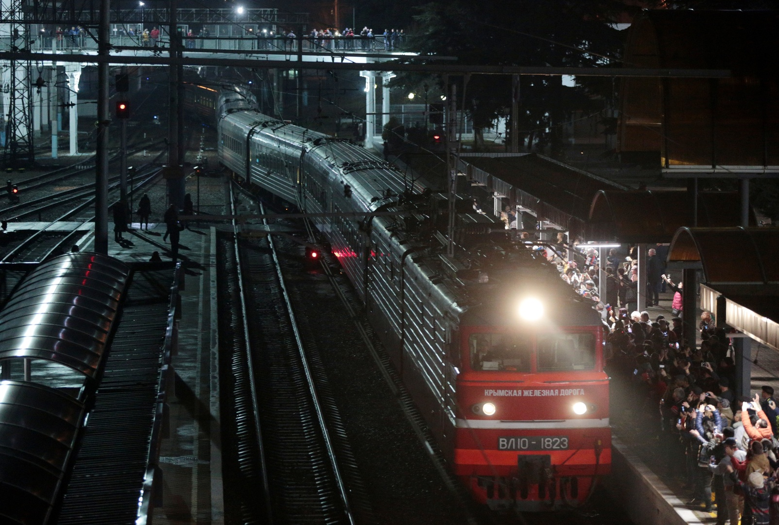 بوتين يعلن موعد إطلاق قطارات الشحن مع القرم