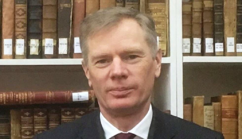 السفير البريطاني في إيران ينفي مشاركته في الاحتجاجات بطهران