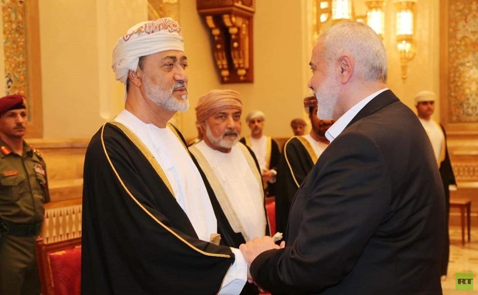 سلطان عمان الجديد يستقبل إسماعيل هنية (صور)