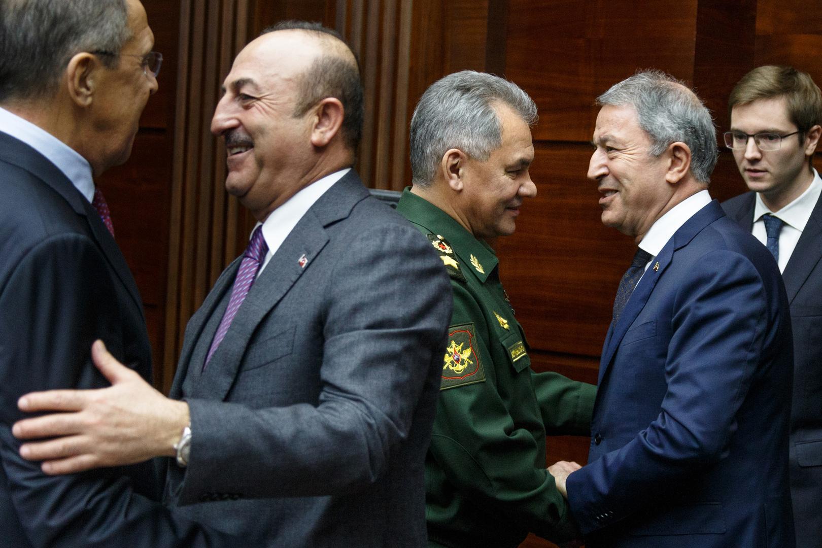 وزيرا الخارجية والدفاع التركيان في موسكو لبحث ملفات ليبيا وسوريا والشرق الأوسط