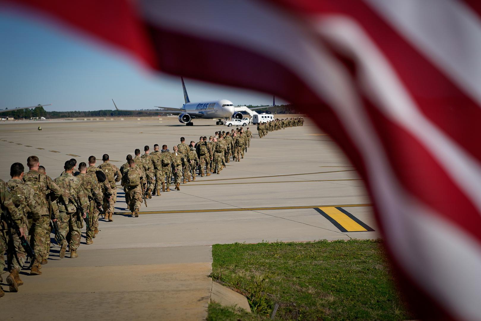 مصدر عراقي يكشف لـRT عن الطروحات الأولية حول مستقبل القوات الأمريكية في العراق