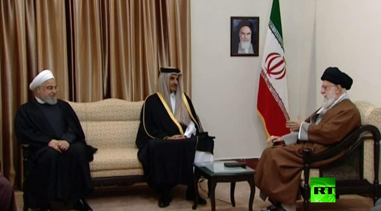 أمير قطر يلتقي علي خامنئي في طهران