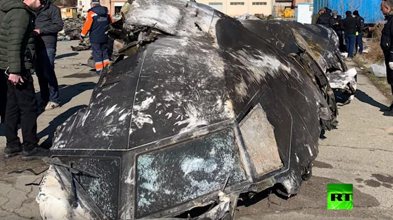 نشر صور لأشلاء الطائرة الأوكرانية المنكوبة