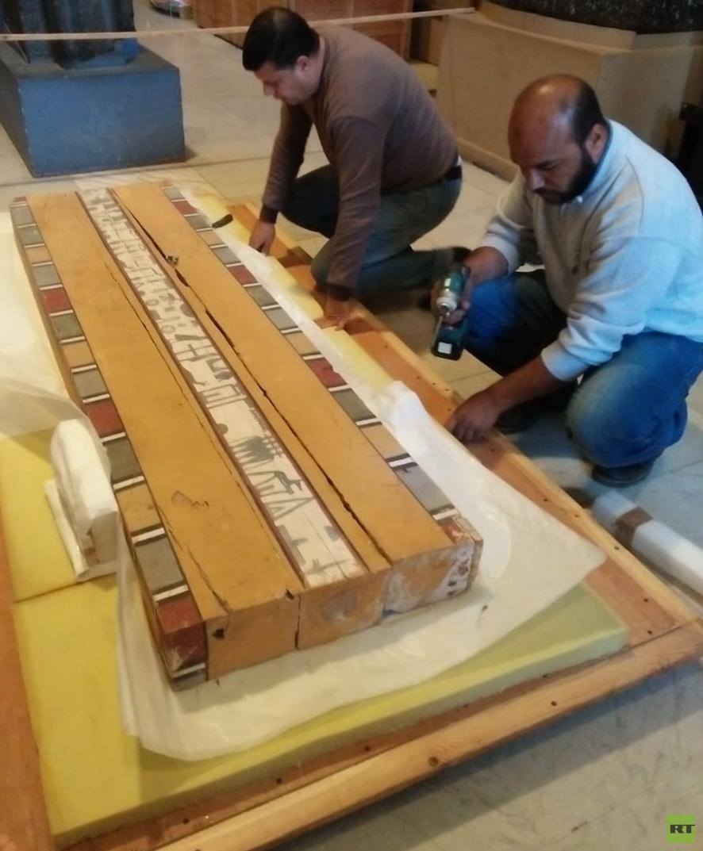 202 قطعة أثرية تصل المتحف المصري الكبير (صور)