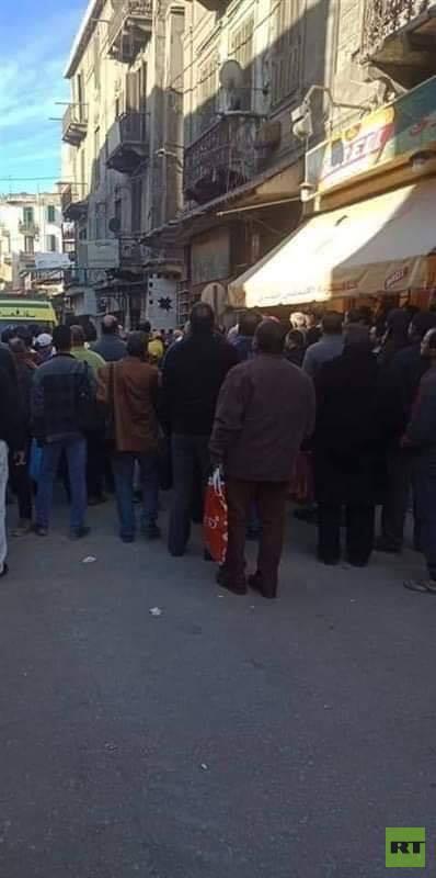 مصرع 5 أشخاص في انهيار عقار في مصر (صور)