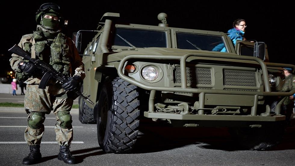 الجيش الروسي يتسلم سترات واقية خفيفة