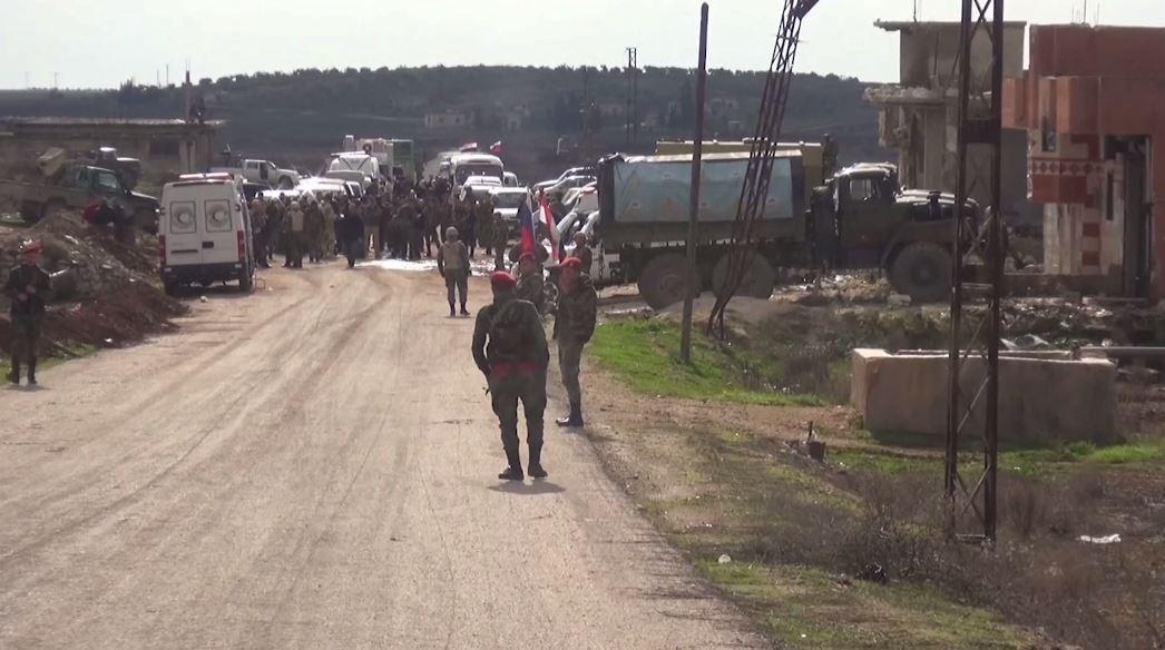 الدفاع الروسية: خروج ألف شخص من أراضي سيطرة المسلحين في إدلب