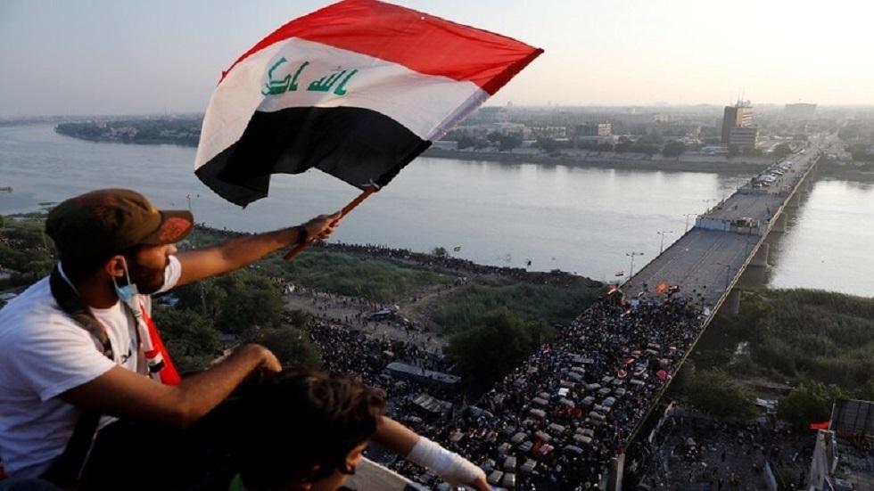 احتشاد المتظاهرين على جسر الجمهورية في العاصمة بغداد - أرشيف -