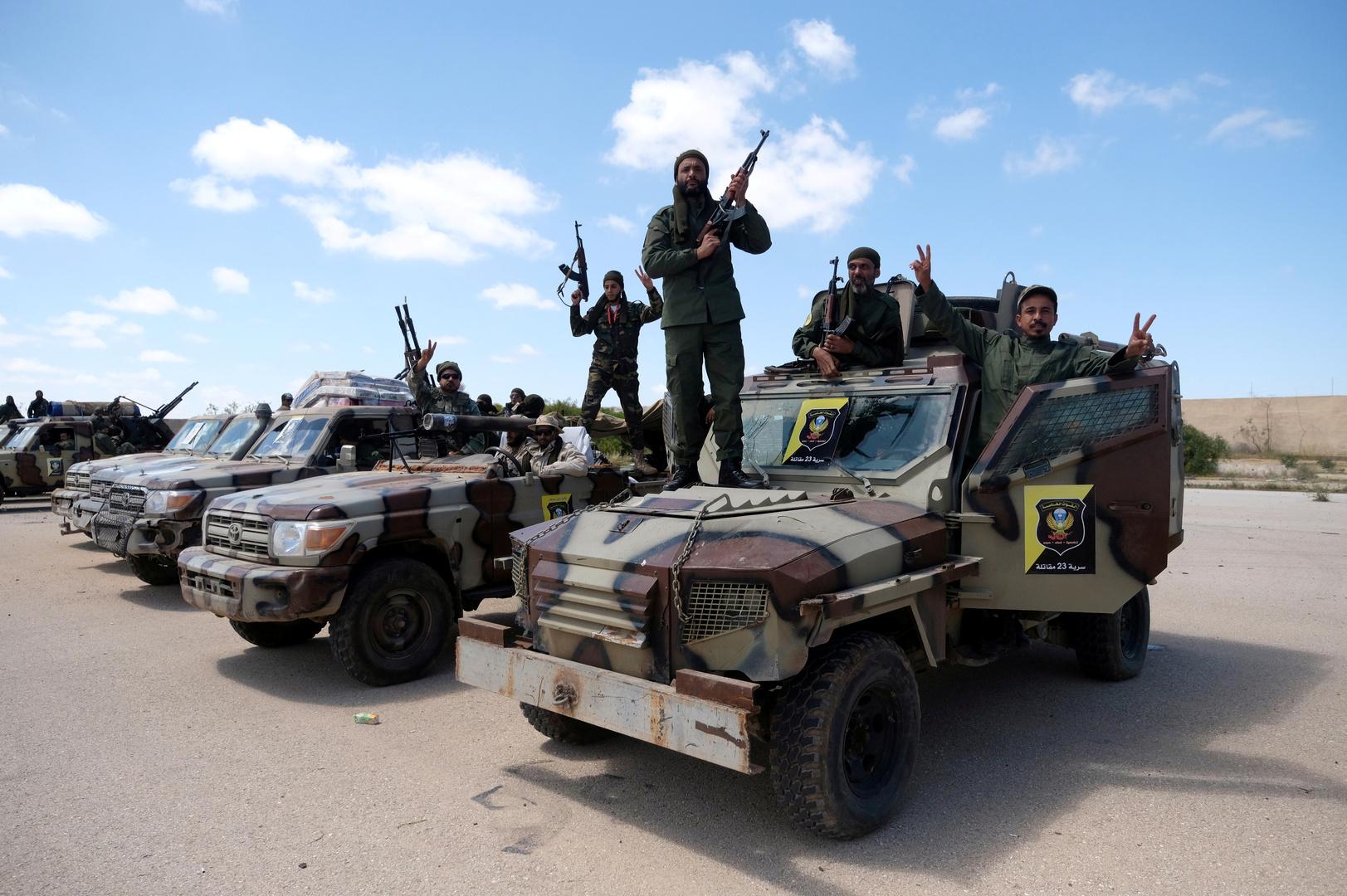 حكومة شرق ليبيا تدعو للضغط على