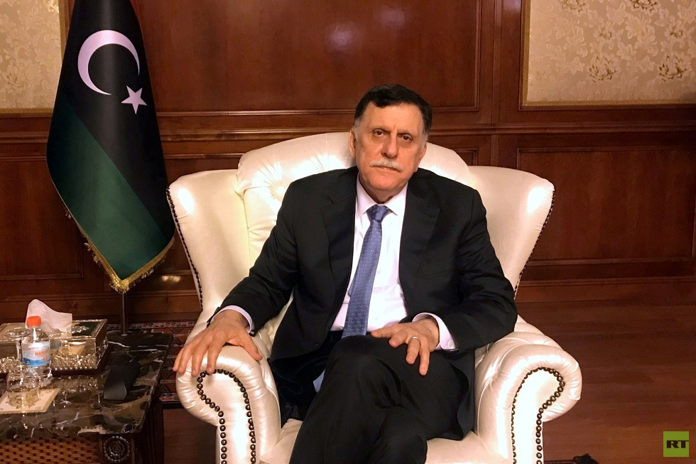 السراج يجتمع مع سفير الولايات المتحدة لدى تركيا (صورة)