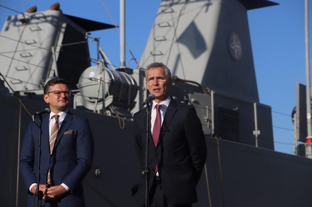 أوكرانيا تبلغ الناتو باستعدادها لإرسال 20 عسكريا إلى العراق دعما لبعثة الحلف هناك