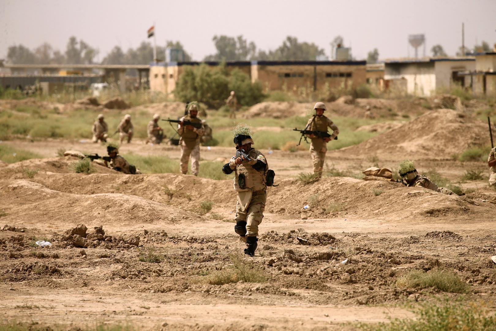 هجوم صاروخي على معسكر التاجي شمال بغداد