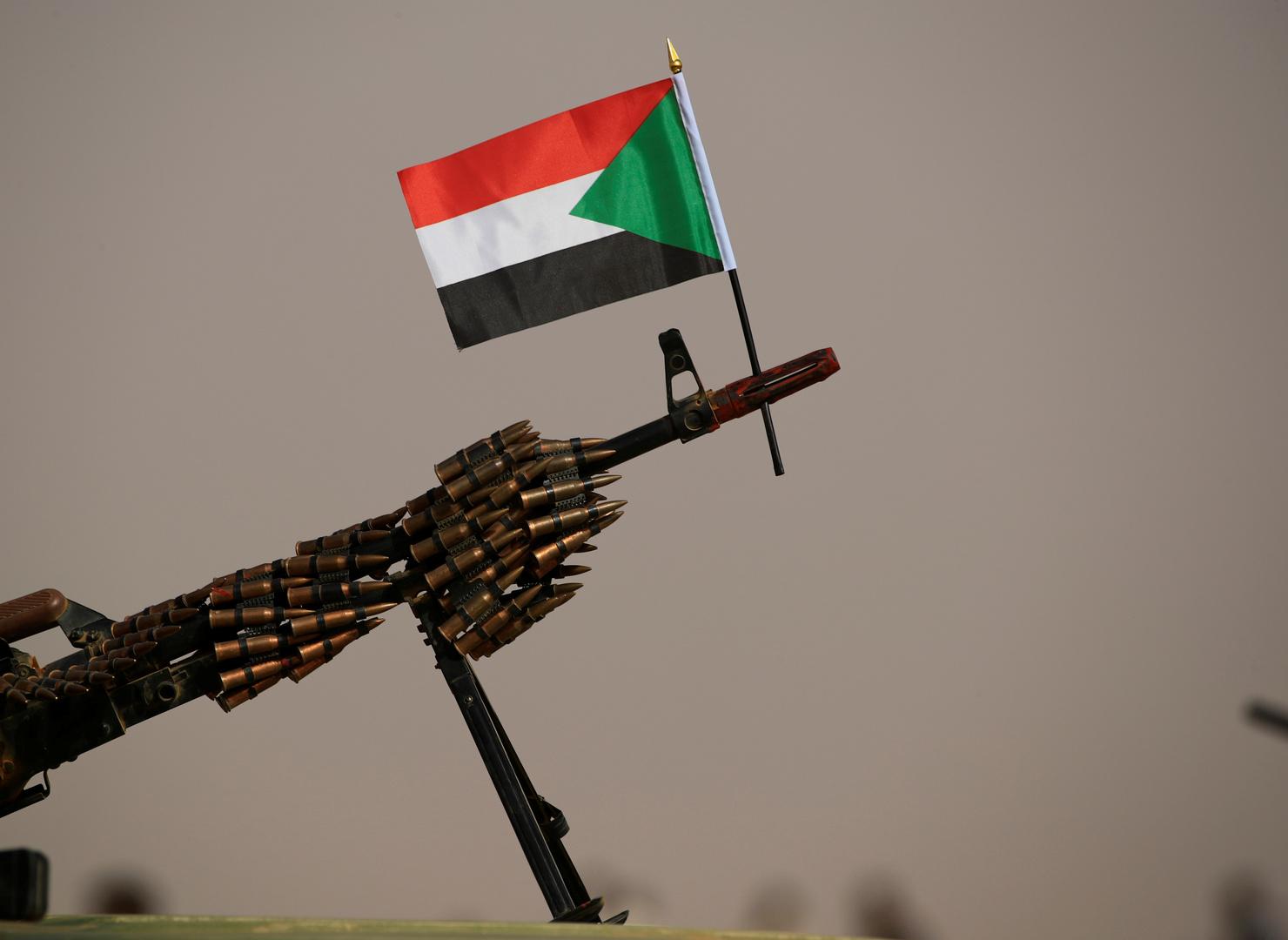 على السودان على رشاشة