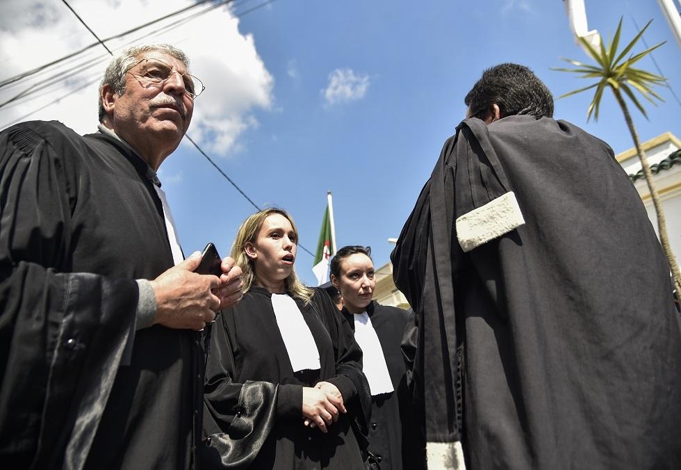 محامو الجزائر يحتجون بعد فرض ضرائب جديدة