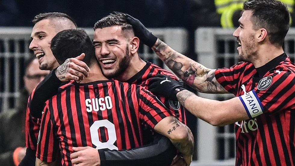 ميلان يقسو على سبال بثلاثية ويبلغ ربع نهائي كأس إيطاليا (فيديو)