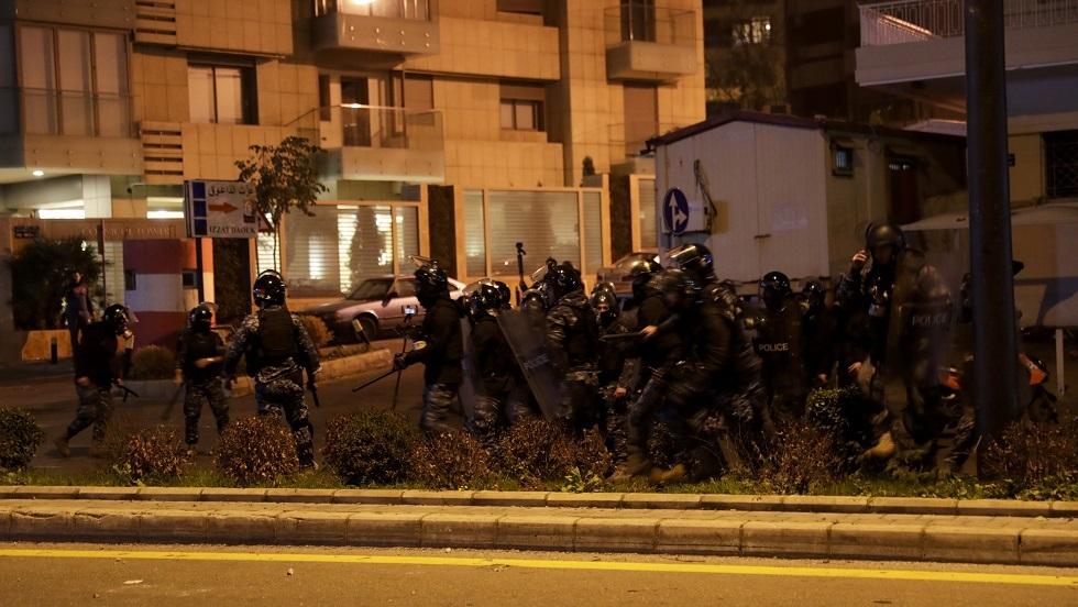 جرحى في اشتباكات ببيروت والأمن يعتقل العشرات