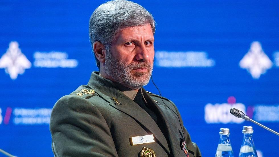 وزير الدفاع الإيراني: أمريكا رضخت لقدراتنا الصاروخية
