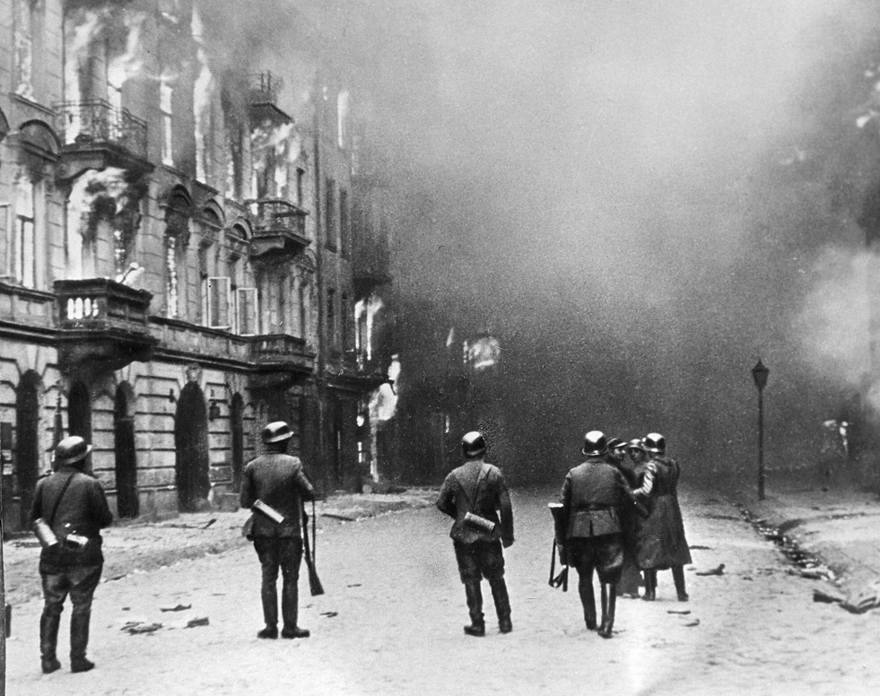 رفع السرية عن وثائق تظهر كيف انسحب النازيون من وارسو