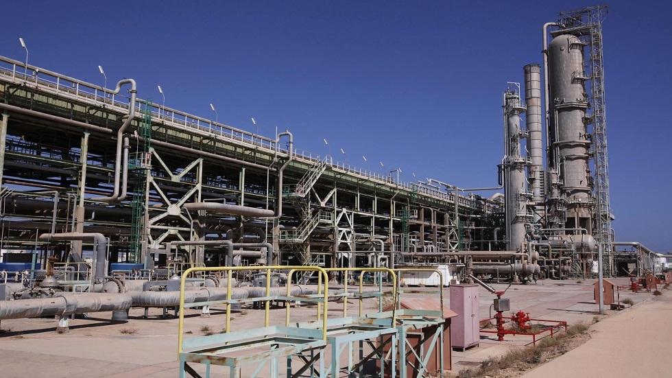 محتجون يغلقون ميناء الزويتينة النفطي الليبي رفضا لقرار أنقرة إرسال قواتها إلى ليبيا