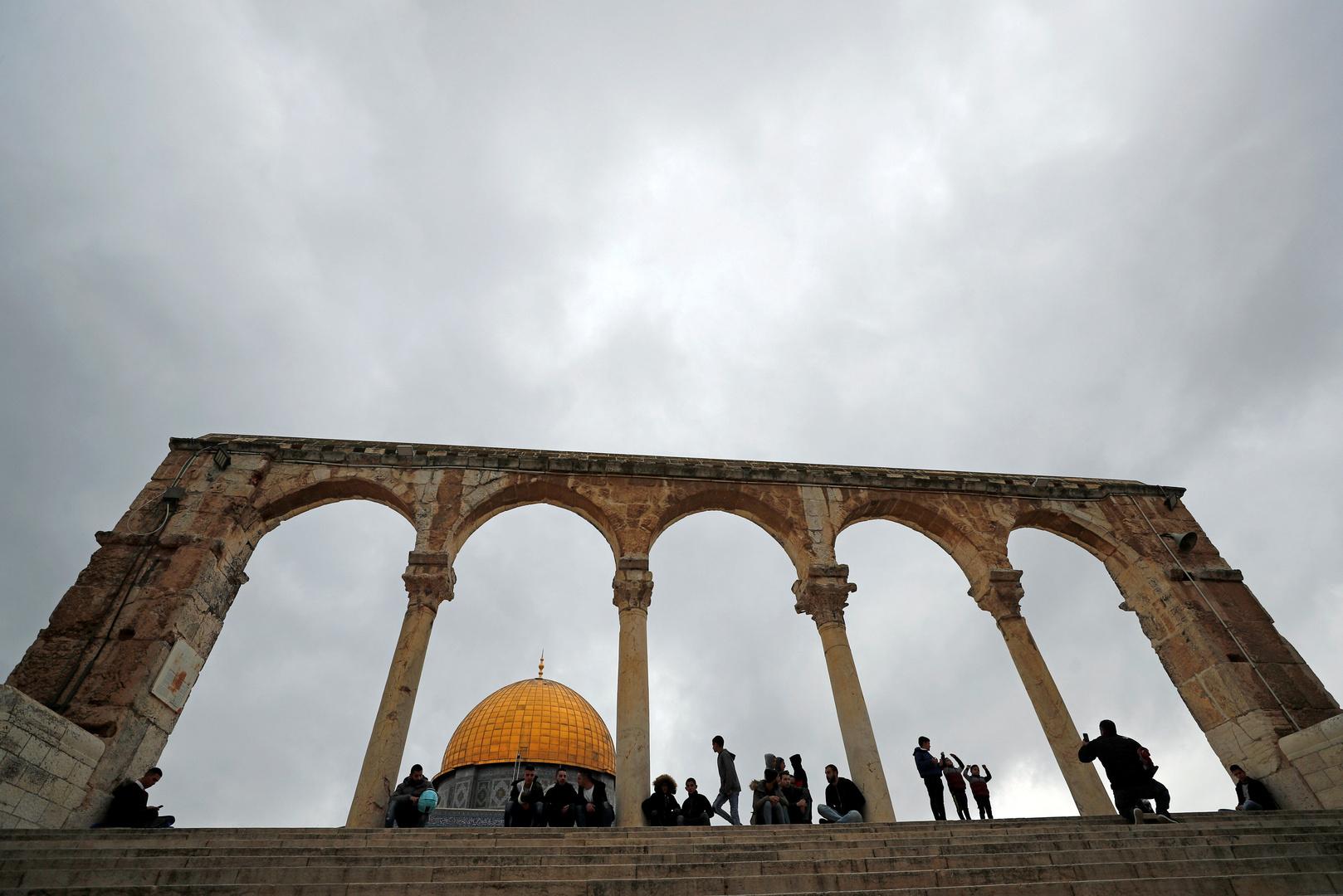 القوات الإسرئيلية تعتقل فلسطينية بذريعة محاولتها تنفيذ عملية طعن