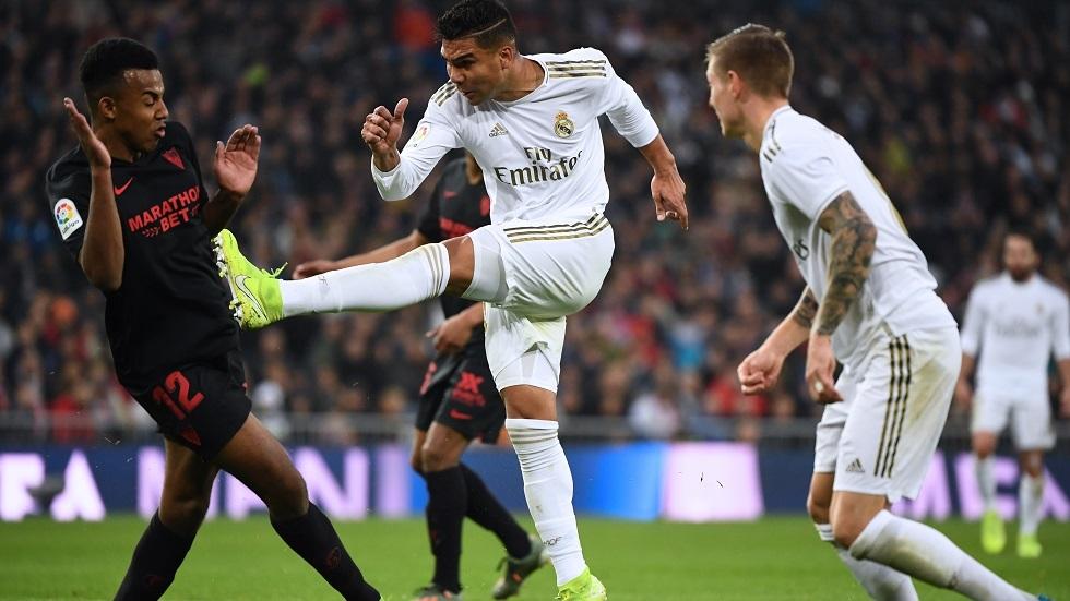 ثنائية كاسيميرو في شباك إشبيلية تقود ريال مدريد لانتزاع صدارة
