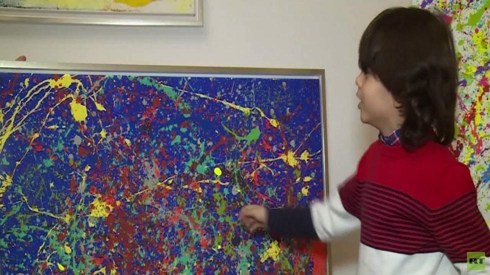 طفل رسام يذهل عشاق الفن في ألمانيا
