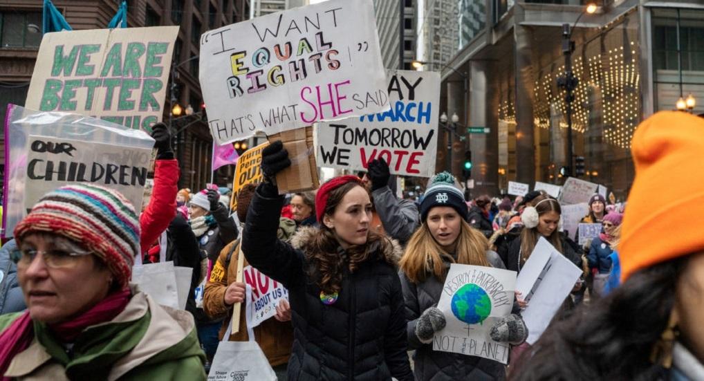 الأمريكيات في مسيرات حاشدة ضد ترامب