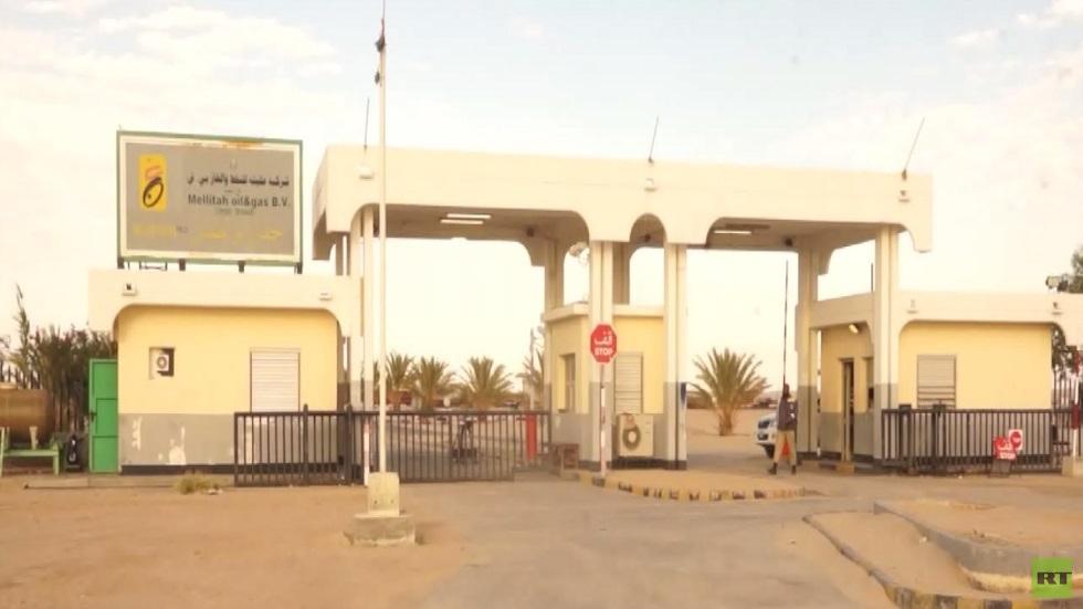 تبعات إغلاق الموانئ النفطية بليبيا