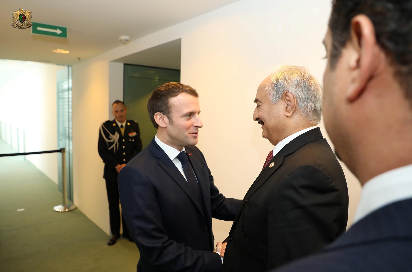 الرئيس الفرنسي يلتقي حفتر في برلين