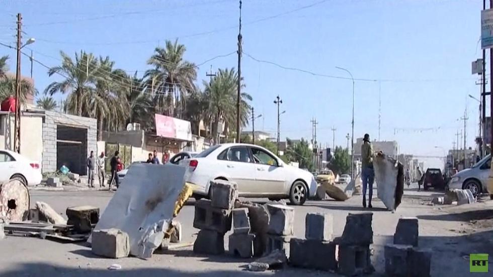 محتجون يغلقون شوارع رئيسة في البصرة