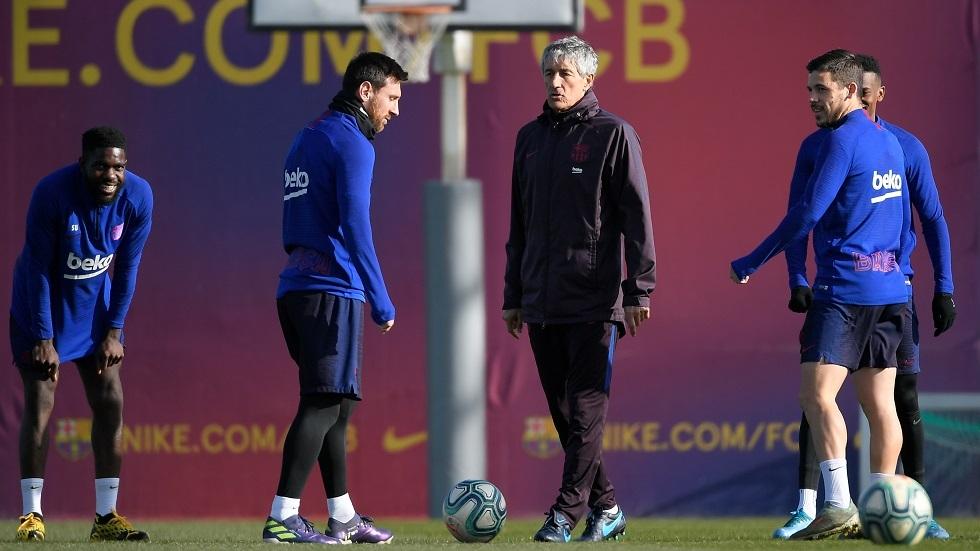 مدرب برشلونة الجديد يفشي أحد أسرار الفريق