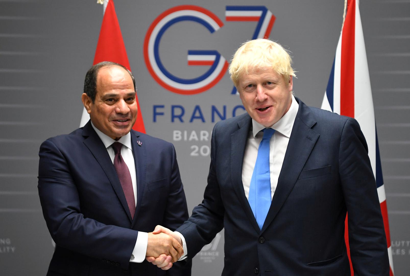 السيسي يعقد جلسة مغلقة مع رئيس وزراء بريطانيا حول ليبيا