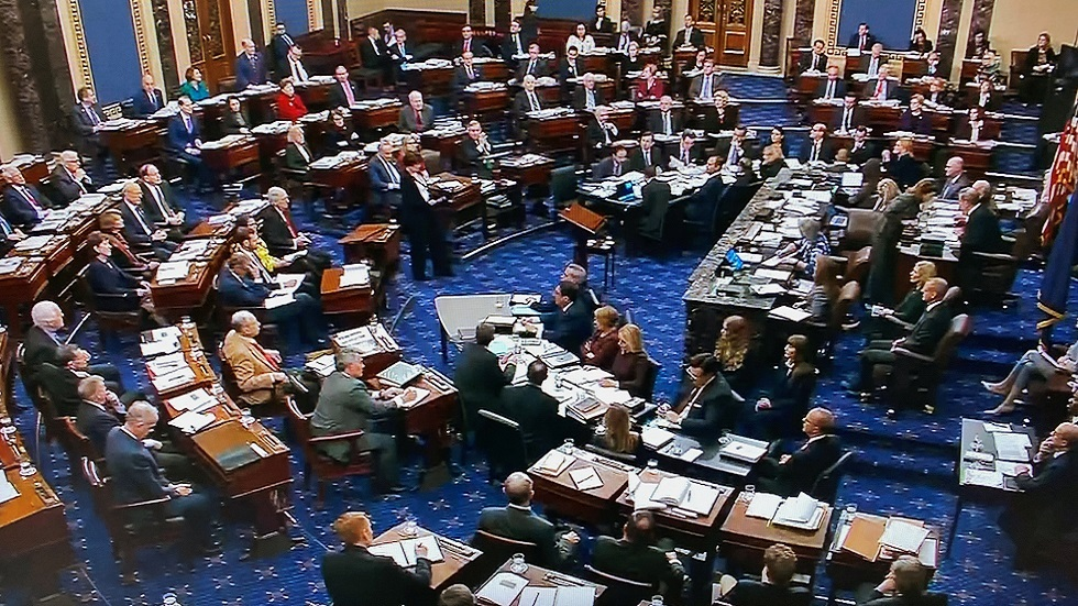 الشيوخ الأمريكي يرفض مقترحات الديمقراطيين إحضار وثائق في محاكمة ترامب