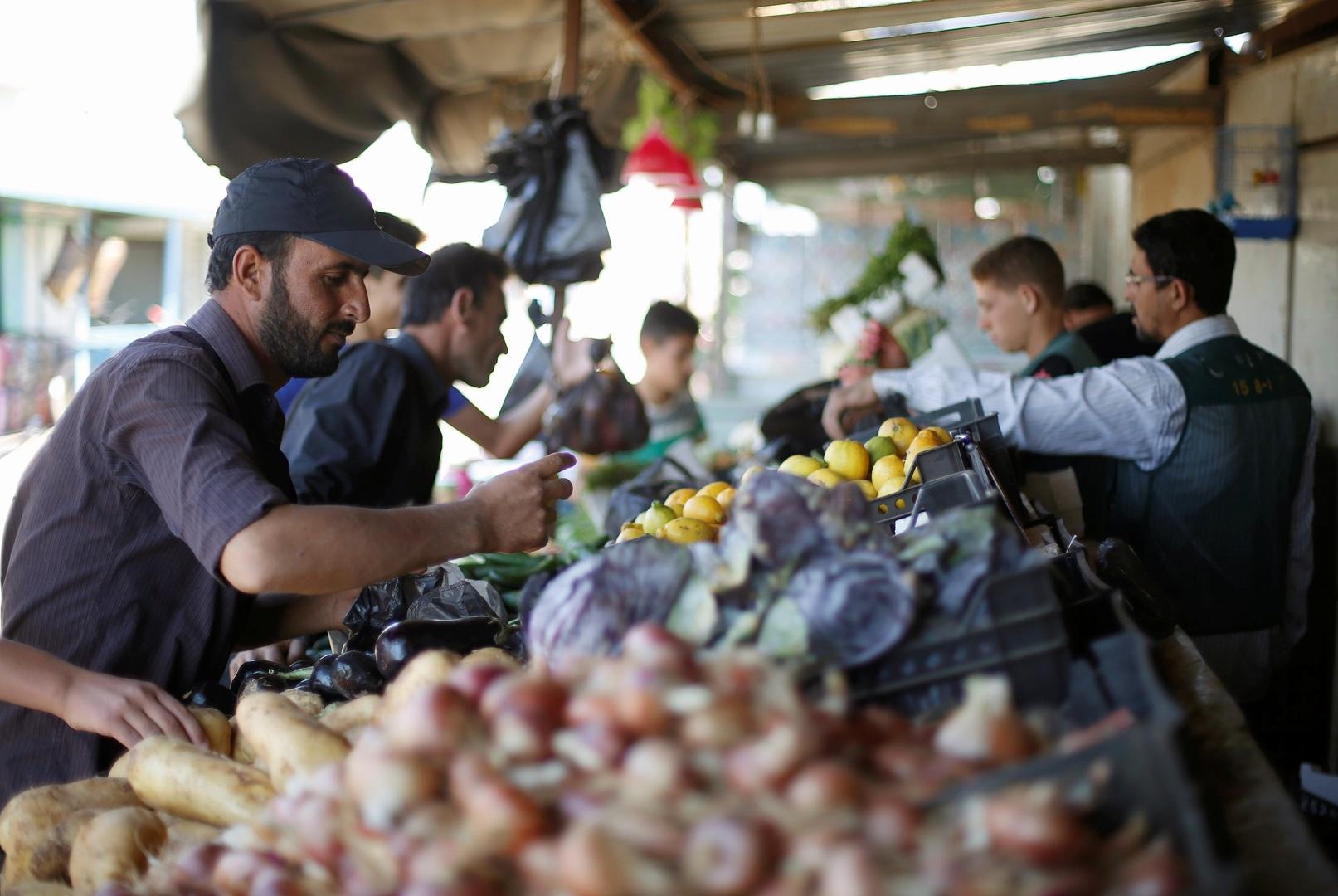 تجارة ريف دمشق تعلن موقفها من حملة الليرة فقط: اجعلوها 100 إن كنتم صادقين