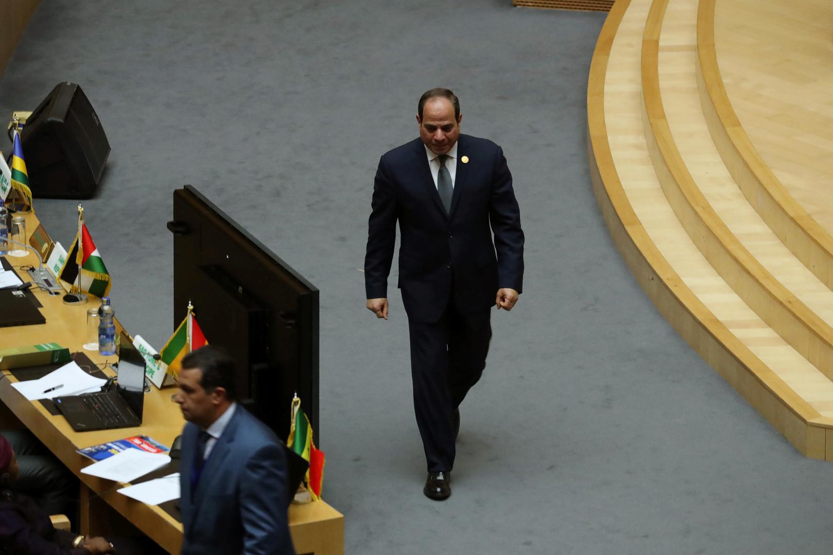السيسي يجتمع مع وزير الدفاع ورئيس المخابرات لبحث سد النهضة