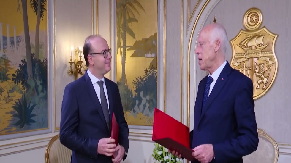 بدء مشاورات تشكيل الحكومة التونسية الجديدة